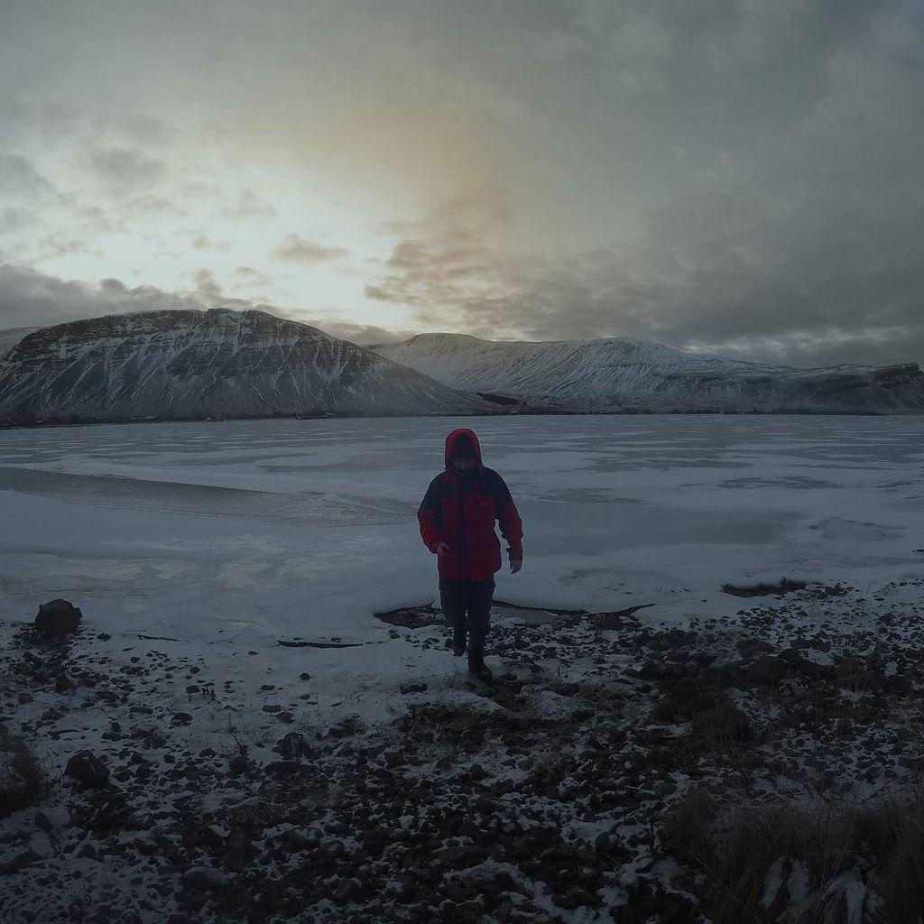 Back from ice #thulbard #videoklubben https://t.co/FcnXMX7HsB https://t.co/T5TXKTQMce