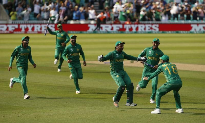 Cricket - Pakistan warm hearts, India and Australia shine at home