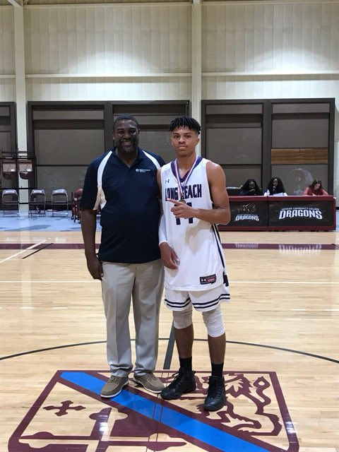 CKA Holiday Invitational All-Tournament Team #J2D #14Moms 💪🏽 https://t.co/33uJ6Uqnc5