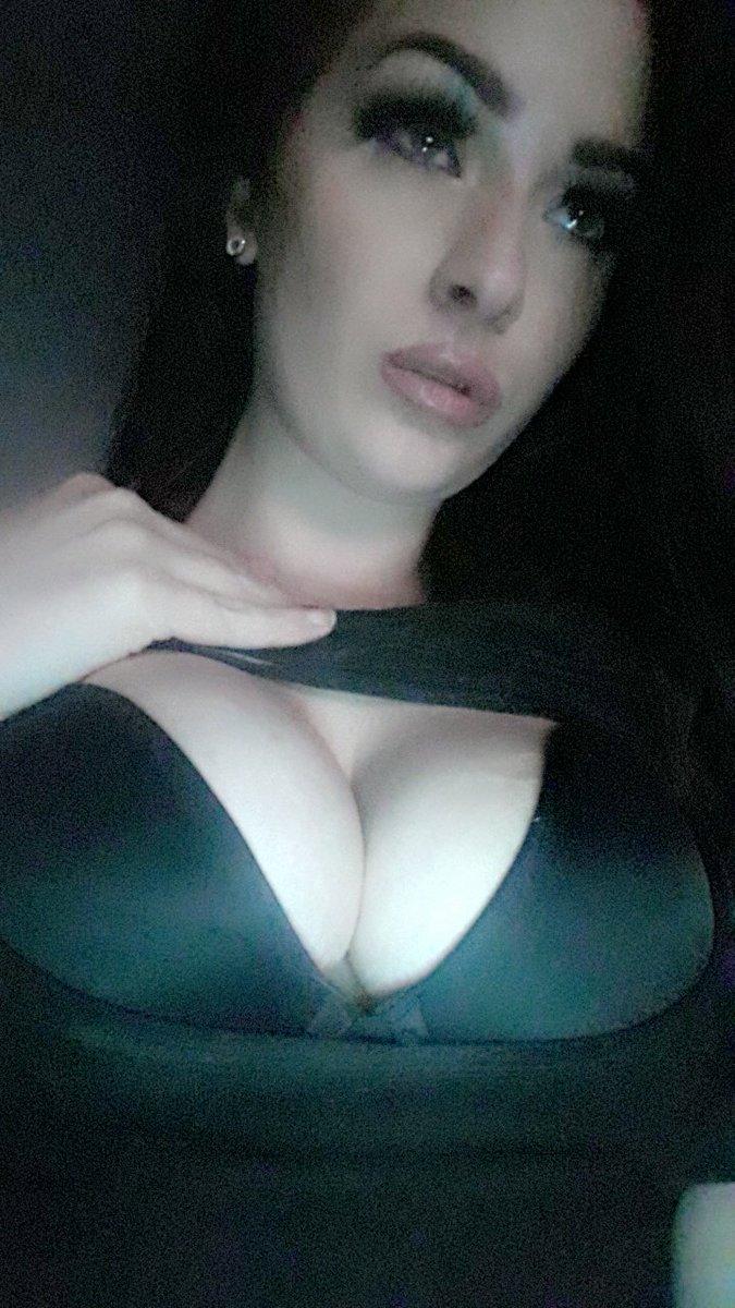 bl3B8IDKOo #arousr #sextme #texting #pics #topless #videowithviolet #violetthevixen