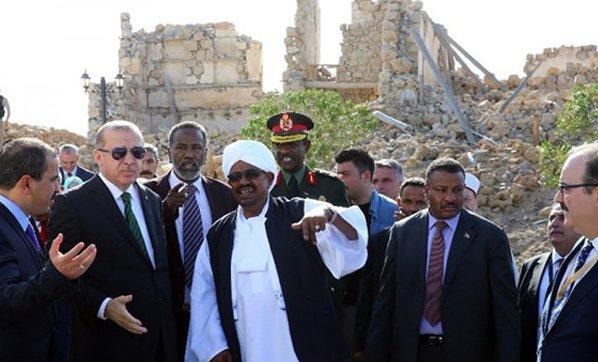 Erdoğan'ın Sudan ziyaretinde çok çarpıcı olay!