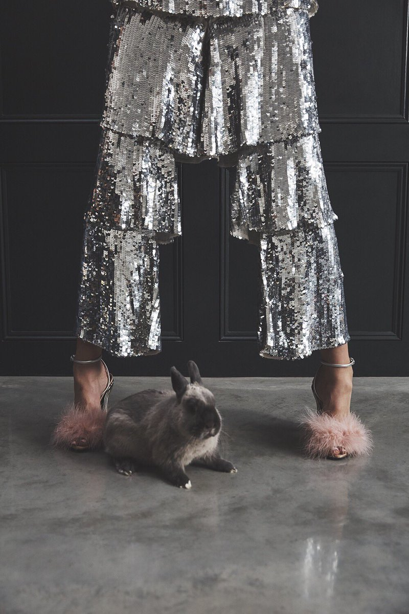Big #NewYearsEve plans and a wardrobe to match. 😉🐰 https://t.co/LahTGAuALC https://t.co/IdyDC7NhjJ