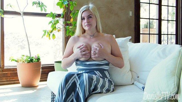 1 pic. Screenshots from my video Orgasm x3 on Vl9FiKeyh0. Please RT #multipleorgasms #masturbation