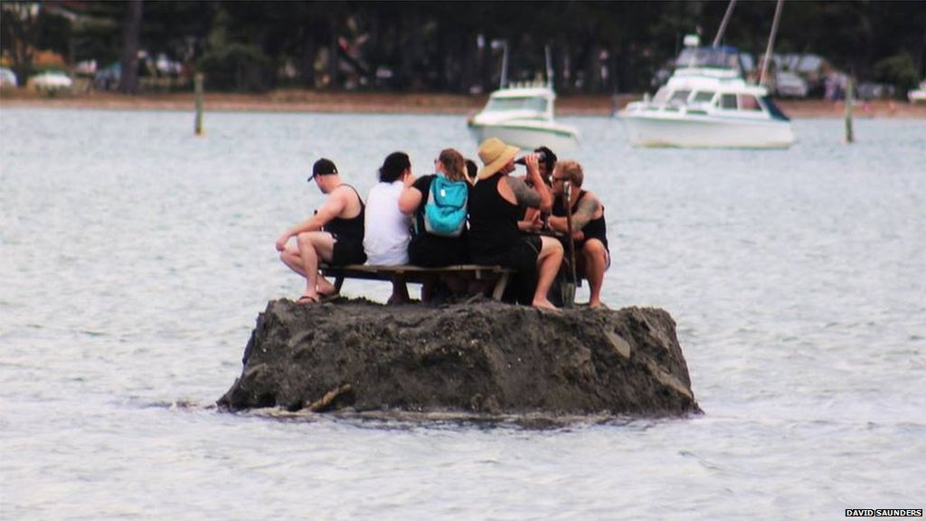 A group of New Zealanders has built an island to 'avoid an alcohol ban': https://t.co/ZhdwwUY0JV https://t.co/qrNufuwNeZ