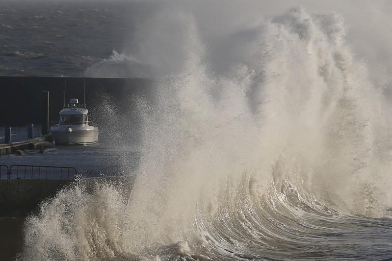 Storm cuts power to 65,000 households in western France