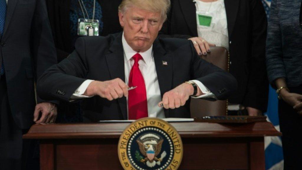 Trump steps up rhetorical support for Iran protestors