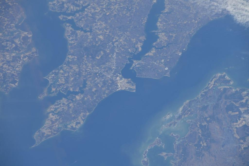 An out of this world view from the @Space_Station! MT @Astro_Maker: Navy Patuxent River. @FlyNavy!! https://t.co/8zb8BMAltM