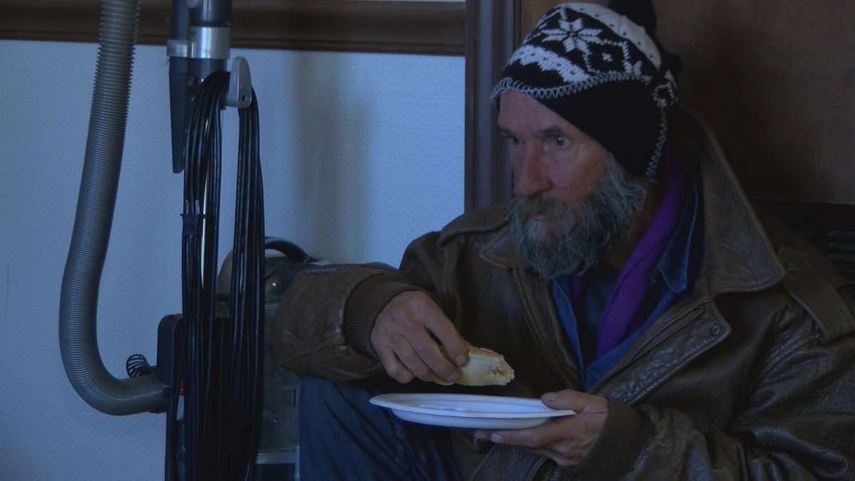 Man opens his home to keep those without shelter warm - | WBTV Charlotte