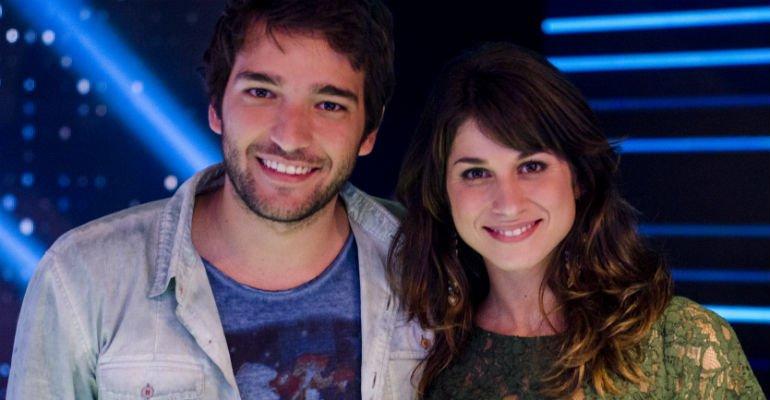 Chandelly Braz. Foto do site da Contigo que mostra Humberto Carrão se declara para Chandelly Braz: Meu grande amor!
