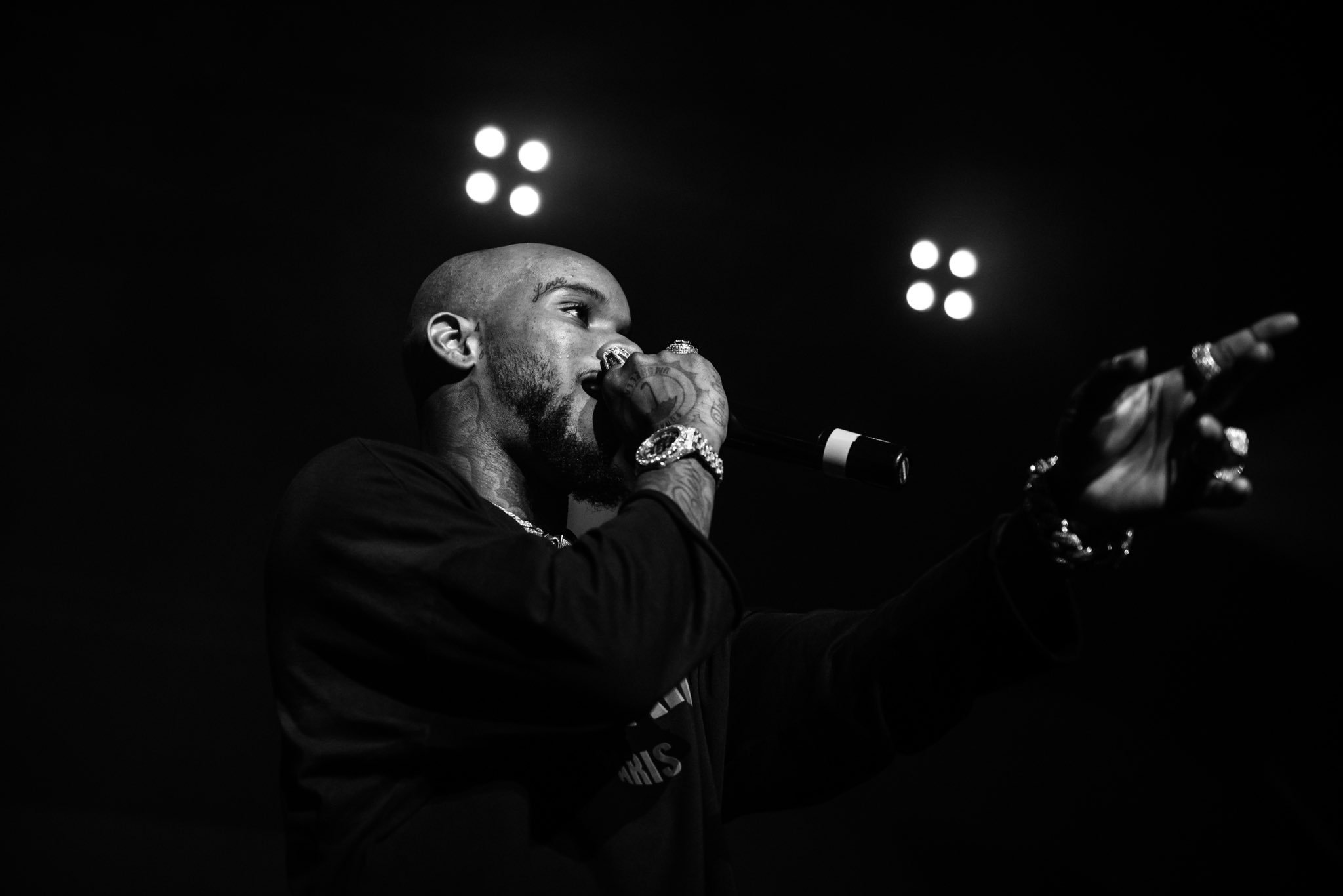 .@ToryLanez performing live at the @reventioncenter in Houston. Photos by @joeytortuga. https://t.co/mtXANi9lsR