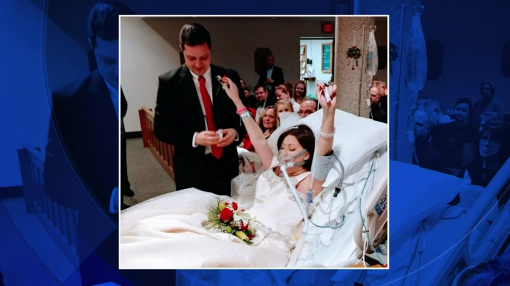 Woman battling cancer gets married hours before passingaway