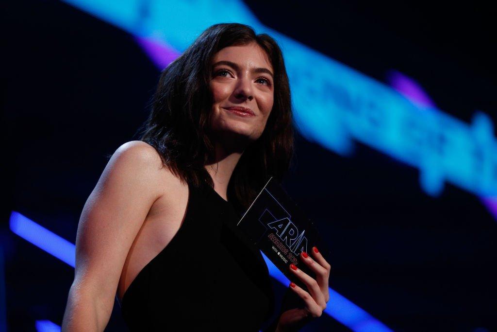 "Lorde is a ""bigot"" who ""chose Putin's Russia over Israel,"" Rabbi Shmuley says"