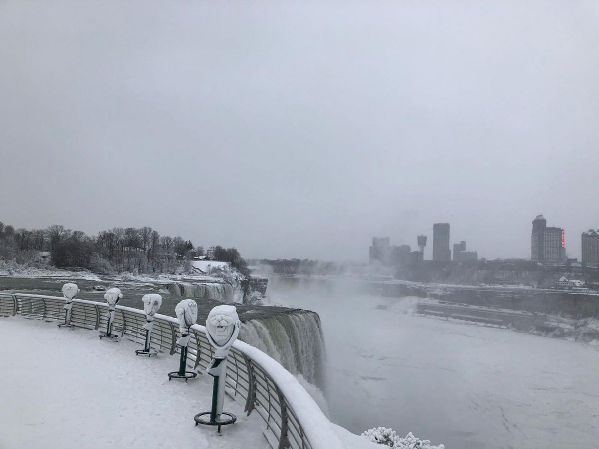 Winter Storm Grayson Pictures: Bomb cyclone brings blizzards, heavy snow and high winds