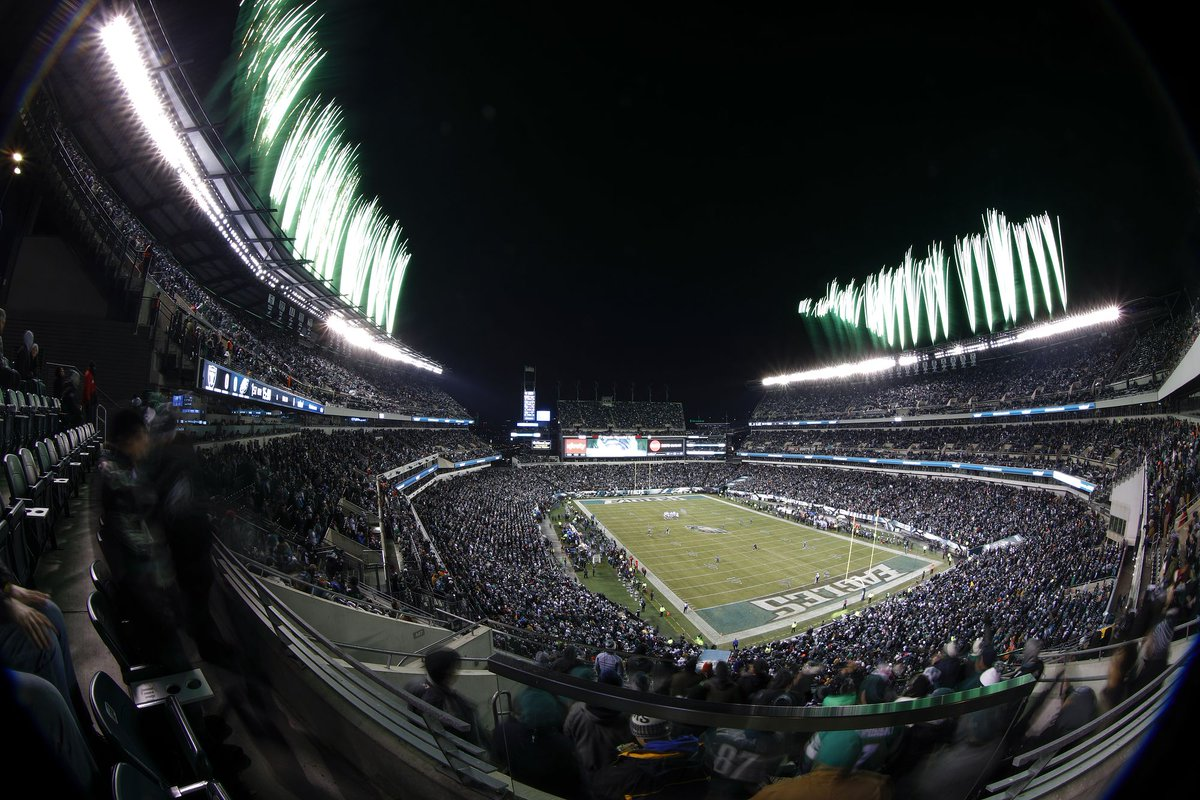 #Eagles Divisional Round playoff tickets are on sale now!  Get your tickets: https://t.co/jB0wjWXBVy https://t.co/jbiukrGMVw