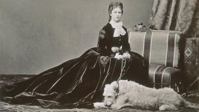 A tragic Austrian Empress murdered by anarchists. https://t.co/NRAtVRlfRK https://t.co/lrXSzR9Exd