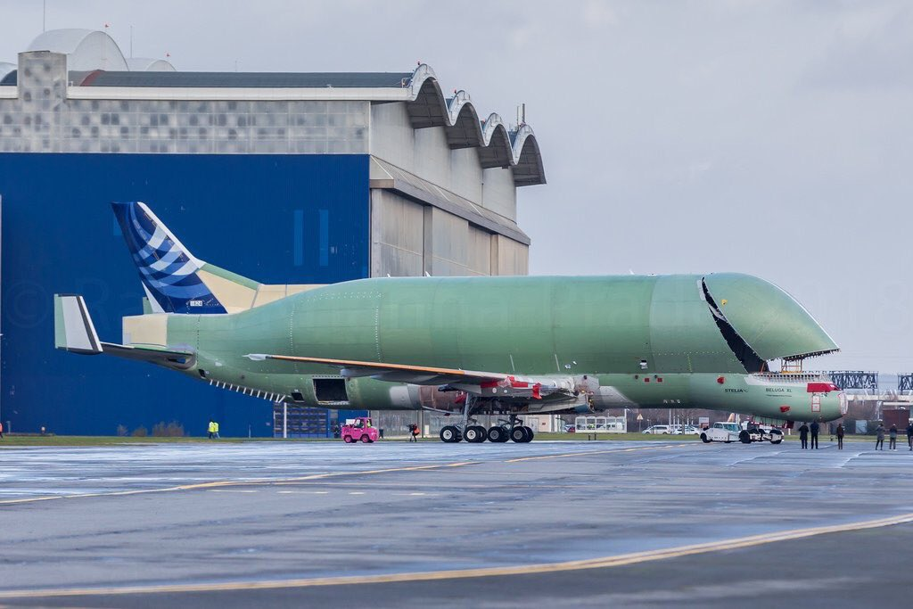 PHOTOS: First images of the brand new Airbus #BelugaXL as it was rolled out of Final Assembly at Toulouse today. It's a whale of an aircraft 😂   Pics & graphic by @A330LFBO @Frenchpainter @Airbus #avgeek https://t.co/AyK1reusOL