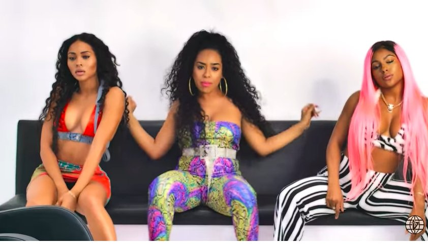 Shes Dope B Simone Drops Booty Bouncing Hair Salon Video For In My