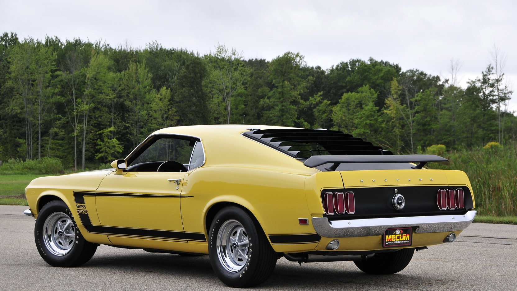 One of my favorite Mustangs the 1969 Boss 302! #boss #302 #mustang #ford #madmusclegarage https://t.co/nejeznuBiT https://t.co/AymqQ3inYd
