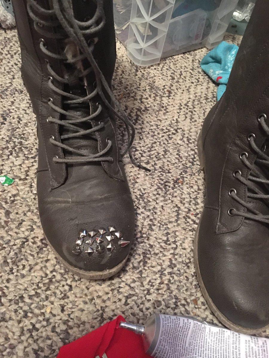 Making my #boots #ballbusting ready #bootworship #cbt RFrlajsdcf