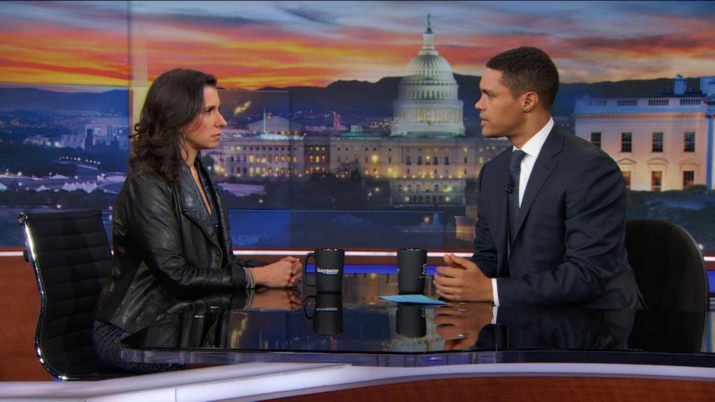 TONIGHT: Trevor and @nytimes investigative reporter @jodikantor discuss the paper's sexual harassment coverage. https://t.co/35Qa1iTz0C