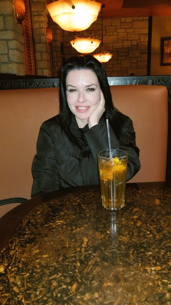 "When u take @VeronicaAvluvXX to dinner & she starts of the convo by saying ""God my asshole hurts."" LOL #humor #vegas #LOL #ThursdayThoughts #dinnerdate #Dinner #conversation"
