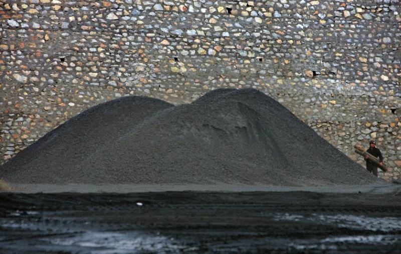 China aims to supersize coal sector through mergers