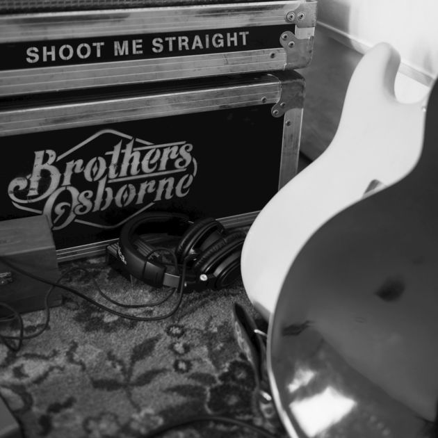 #ShootMeStraight, the new single from @brothersosborne, is out now! �� Listen on @Spotify >>> https://t.co/ar21rBfsP9 https://t.co/8XIxz8Y1sC