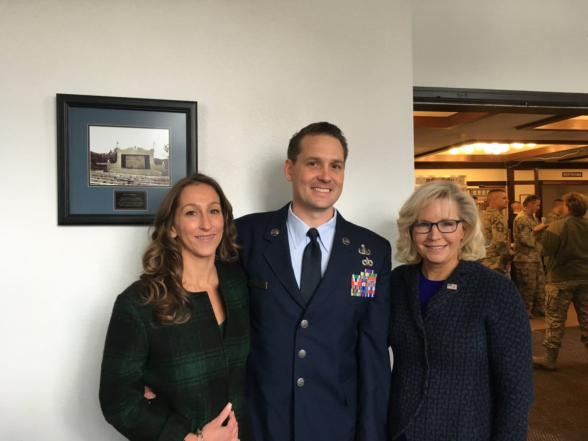 It was an honor to participate in the Purple Heart Ceremony at F.E. Warren AFB in Cheyenne for TSgt Douglas G. Smits.    Read TSgt Smits' full story here: https://t.co/GRqCQM1QKr https://t.co/Y94LLCNK1m