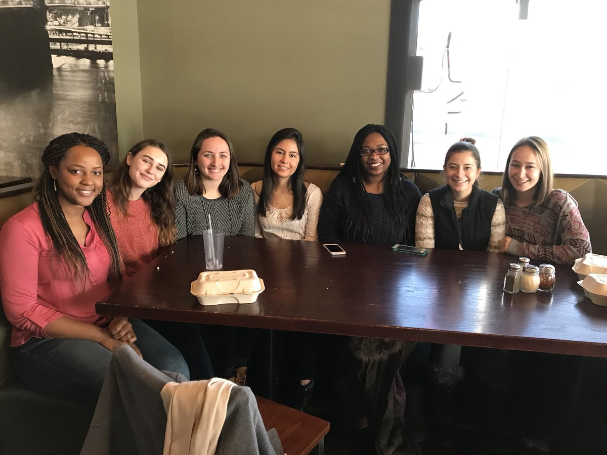 test Twitter Media - Excellent group of female researchers in the making! 🙌🏽👍🏽#EndOfSemesterLabLunch https://t.co/gTTZe716nj