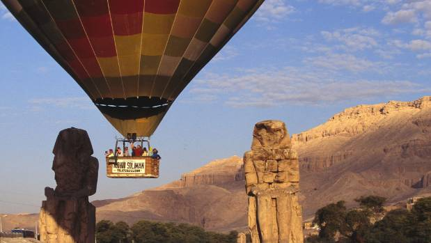 Four New Zealand tourists involved in fatal balloon crash in Egypt