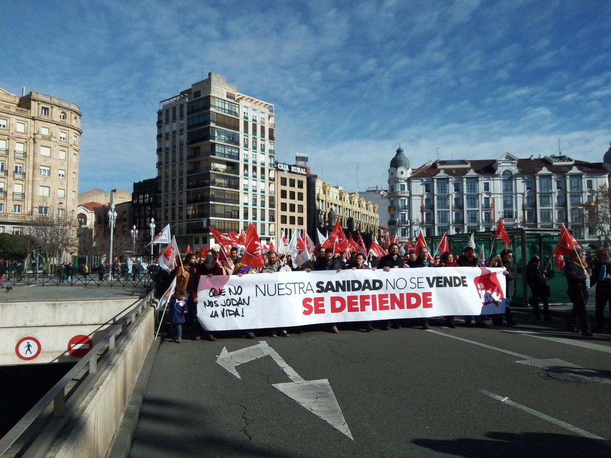 RT @JovenesIUsg: Que no nos jodan la sanidad pública #NosDueleLaSanidad #MareaBlancaCyL #20E https://t.co/8jCHMBbuJd