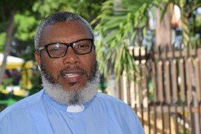 Un sacerdote haitiano niega interés en fusión https://t.co/nl3OgcSI1E https://t.co/alXxueKHwl