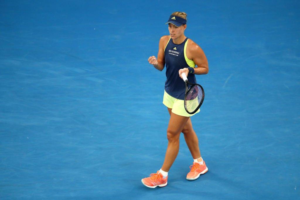 Kerber! ��  She knocks Maria Sharapova out of the #AusOpen with a 6-1, 6-3 win!  ����https://t.co/3kH48yOnmR #bbctennis https://t.co/2ETlcjbwmB