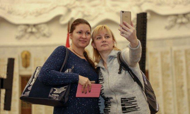 #MuseumSelfie
