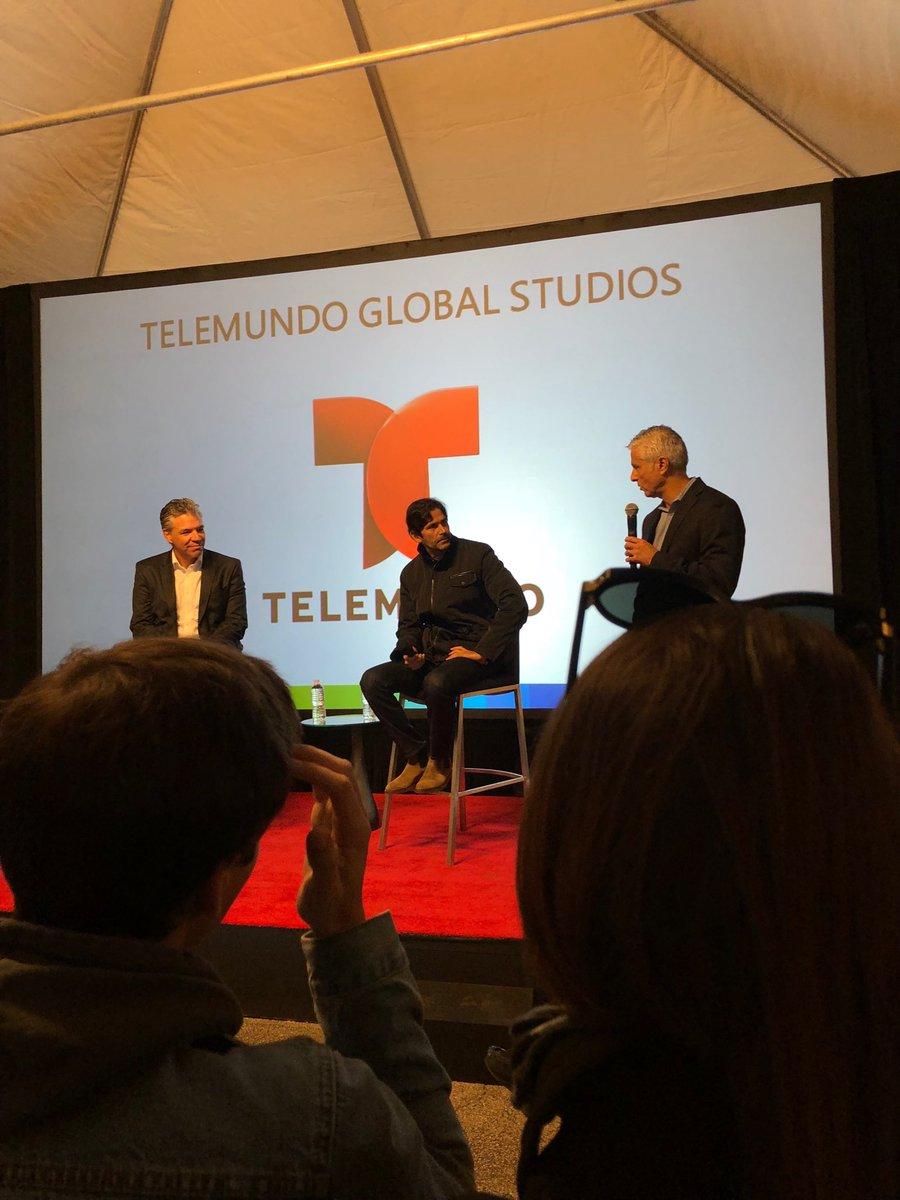 LauraFloresMx Telemundo