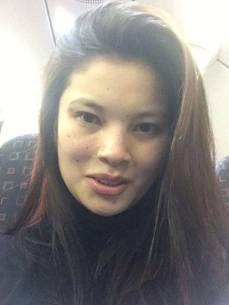 En el avión ✈️ lista para ir a Suiza!!!! 😉😊 oBHRNyPP9t