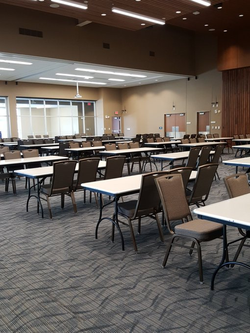 RT @uisstudentlife: The ballroom looks very different today, getting all set up for the involvement expo. 72 groups have registered for thi…
