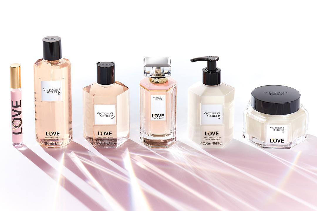 All of our LOVE. Check out the iconic scent: https://t.co/jFeXdr0Lof https://t.co/wDqOaOHPvE