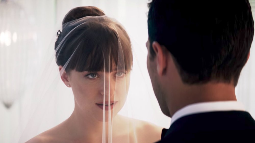 #FiftyShadesFreed to tie up $37 million in opening weekend https://t.co/cZwE0g8YWt https://t.co/kpbmgHAfkQ