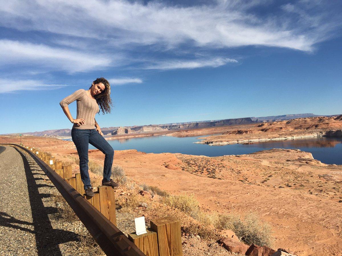 2 pic. Glen Canyon Dam and Lake Powell. mQJL5UqjOd