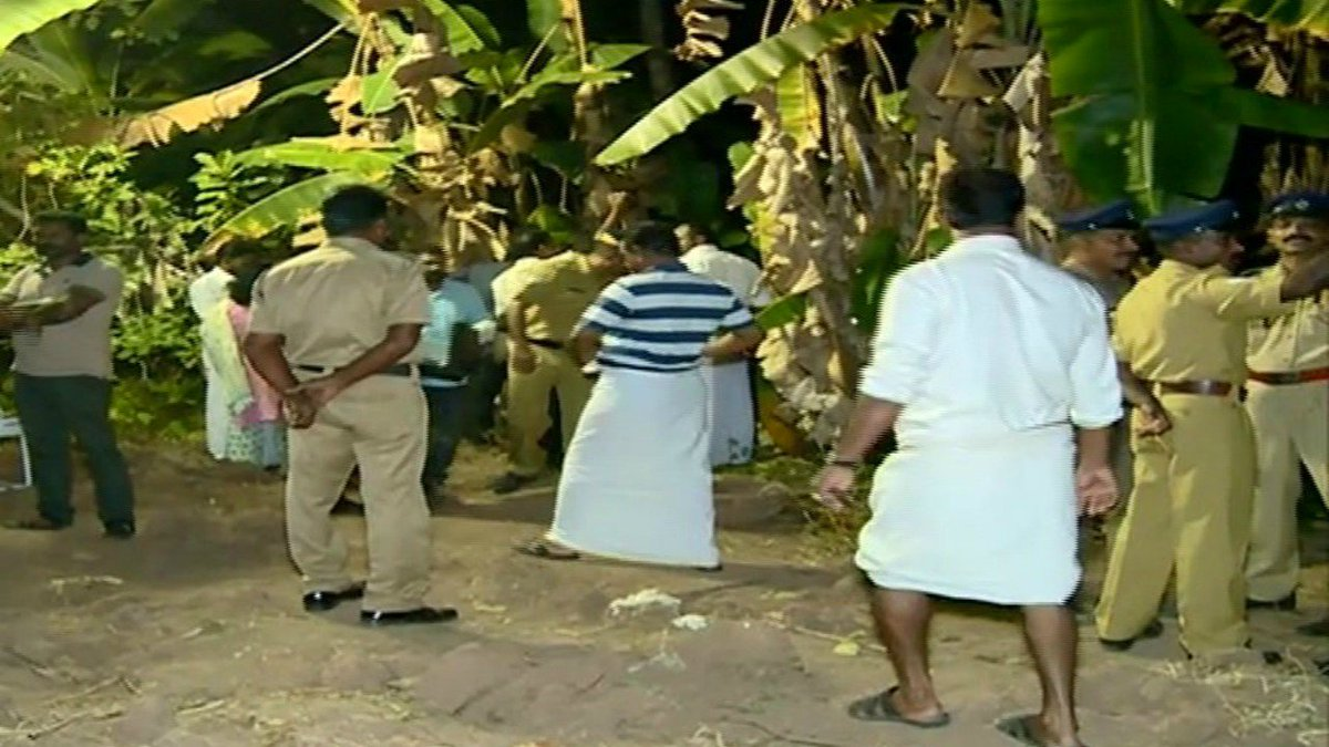 Kerala | Angry mom allegedly murders teen son, chops off body, burns it in banana plantation