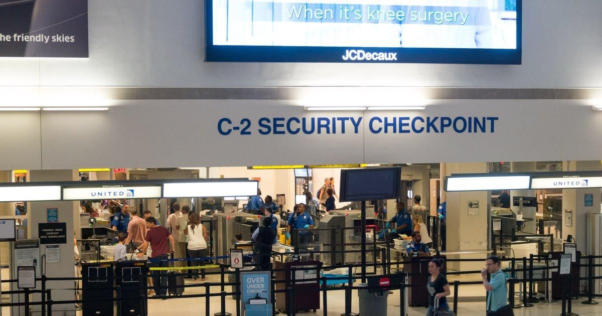 TV film crew busted with fake bomb at Newark Airport in attempt to test security https://t.co/hh8ekBBBtw https://t.co/2npMOyRLDa