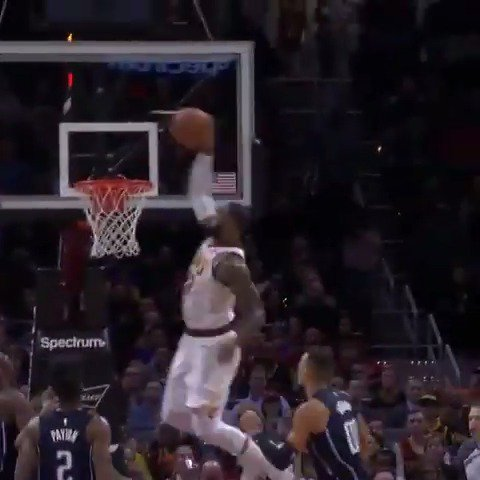 Isaiah Thomas lobbed it for the #LeBronJames throw down to take the #KiaTopPlay of the night! #AllForOne https://t.co/KKwwtuRgLk