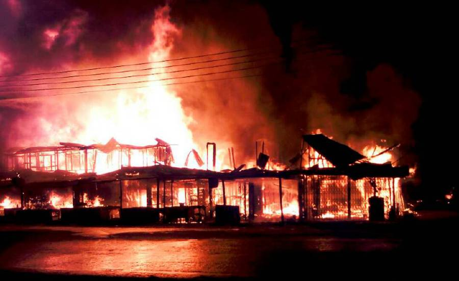 Massive fire destroys mosque, 30 shops in Kinabatangan