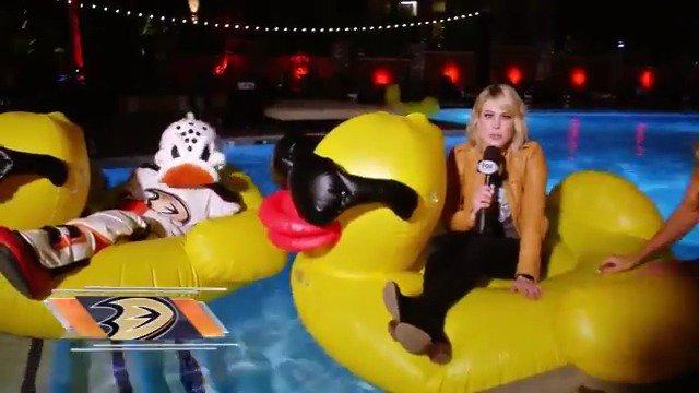 RT @FoxSportsWest: #DucksWeekly ➡ 10p ➡ #PrimeTicket @AnaheimDucks #HDSoCal2018 @CarrlynBathe #NHL https://t.co/wFSNlcSnGU