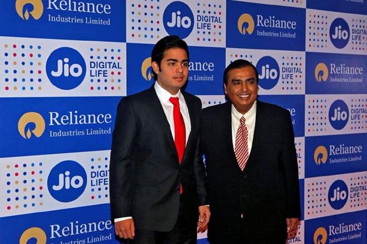 India's public cloud market is estimated to be $2.6 billion in 2018: Akash Ambani