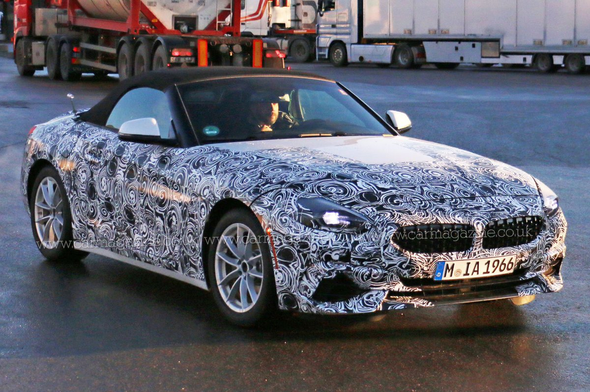 New BMW Z4: Roadster snapped testing with much less camouflage