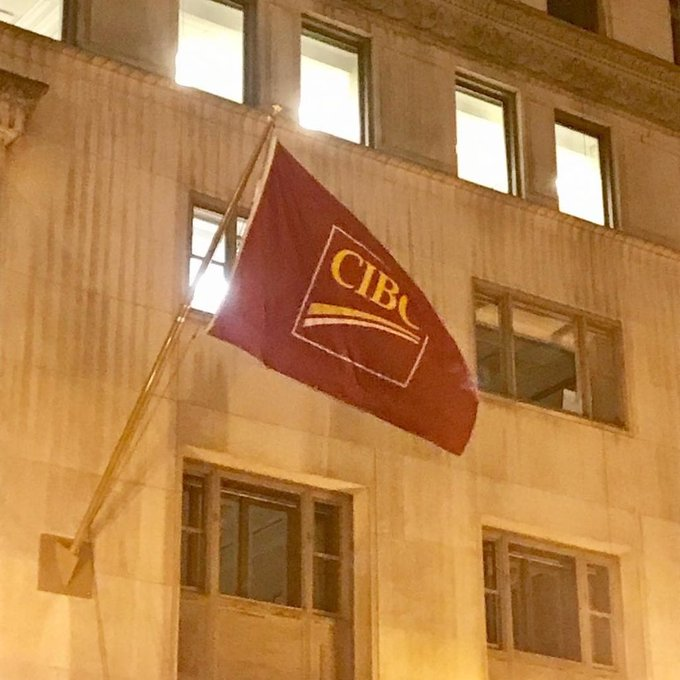 @CIBC strong winds mean #non-tangle rods, display your #custom flag on your building. https://t.co/AAlwe3EuSh https://t.co/5J7qAusUTL
