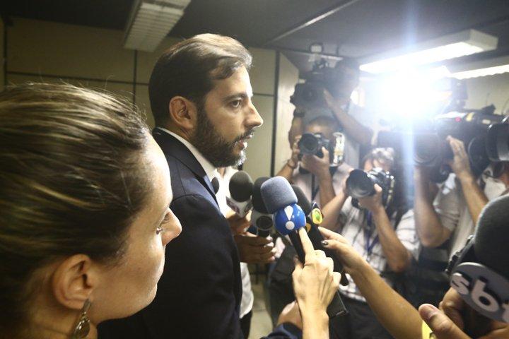 @BroadcastImagem: Delegado Gabriel Ferrando fala com a imprensa na 12ª DP sobre o acidente de Copacabana. Fábio Motta/Estadão