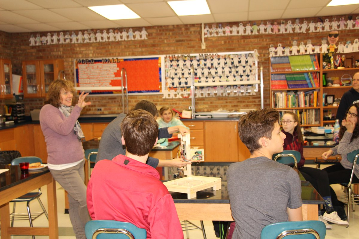 test Twitter Media - M 8th Graders hear about GBS' Science & Engineering Learning Community Program in R. Dombeck's class! https://t.co/aM2kL0Cta3   https://t.co/wjOdD423uE … … #d30learns https://t.co/UlqZn8inrh